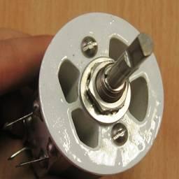 советский мощный переменный резистор вид с верху