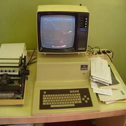 """Советский компьютер """"Ядерный"""" и монитор Юность и принтер"""