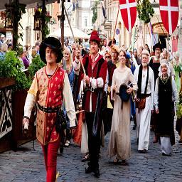 За почти тысячелетнюю история своего существования Таллинн вобрал в себя культуру разных стран: Швеции, Дании, Германии и России.