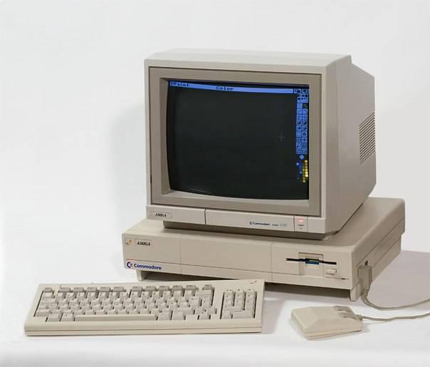В СВЯЗИ с резким падением цен на устройства с четырехкратной скоростью вращения поставщики дисководов CD-ROM активно занялись производством систем следующих поколений - 8х и 10х.