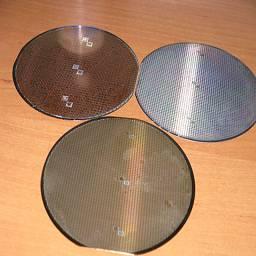 Из чего изготавливают микросхемы - Кремниевая пластина, чистый кремний отшлифованный до зеркального блеска