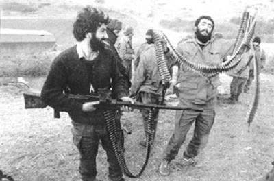 Война стала жертвой в предвыборной борьбе. Чеченские лидеры проголосовали за Ельцина, или просто боятся воевать с Зюгановым?