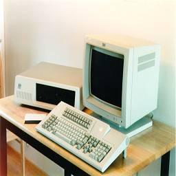 """Первые ЭВМ. Развитие электронной вычислительной техники. Первая ЭВМ """"ENIAC"""". Транзистор. Наука кибернетика. ЭВМ IBM AT. Процессоры 80286, 80386, Pentium. WWW. Развитие Internet."""